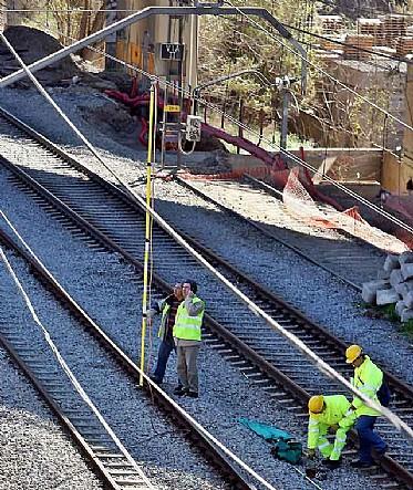 Operadors de Renfe i Adif, arreglan esl problemes elèctrics de la línia c-4